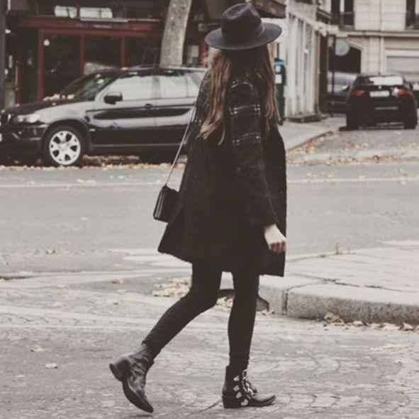 Blogger Caroline Nehring wearing Heartmade AW15 jacket