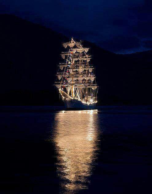 Pin by Tina Atif on photography   Tall ships, Boat, Ship ...