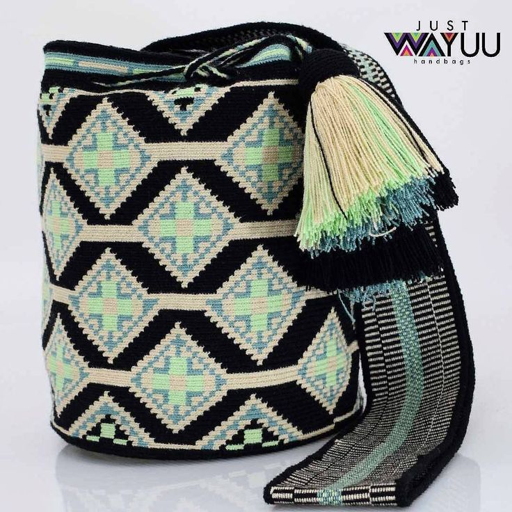 322 отметок «Нравится», 2 комментариев — Just Wayuu (@just.wayuu) в Instagram: «Handcrafted handbags made by indigenous wayuu in the north of Colombia. Worldwide shipping. PayPal…»