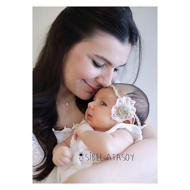 Annesi ve yavrusu  Doğum, aile, bebek, çocuk ve hamile fotoğrafları için sibeldincelatasoy@gmail.com adresinden bilgi alabilirsiniz #sibelatasoy #ilknefes #merhabahayat #melek #igkids #webstagram #photootherday #familyphotos #today #truelove #dogumfoto #hamile #hastane #konsept #bebekfotograflari #bebek #baby #masallah #ilkgulus #cute #angel #love #kids #truelove #newlife #webstagram #cocuk #child #familyphotos #pregnant #itsgirl #newlife #itsboy #private