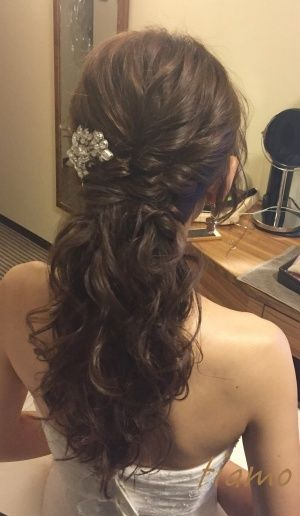ふわふわルーズなお洒落ハーフアップスタイルの花嫁さま♡ |大人可愛いブライダルヘアメイク『tiamo』の結婚カタログ