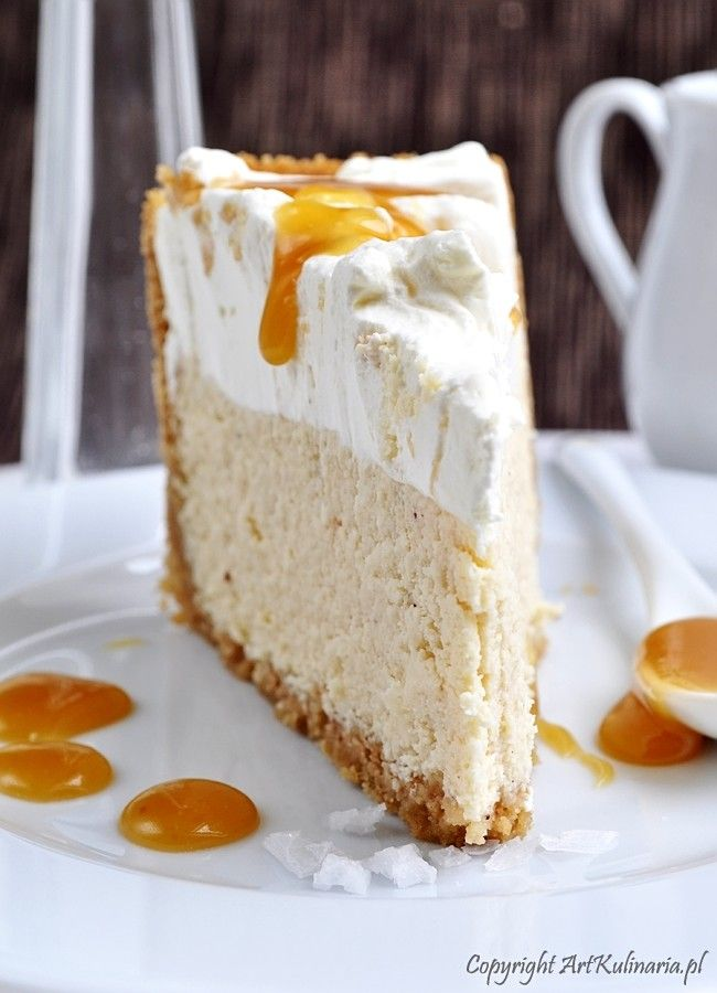 caramel whip cream cheesecake Vanilla cheesecake with salted caramel based on the