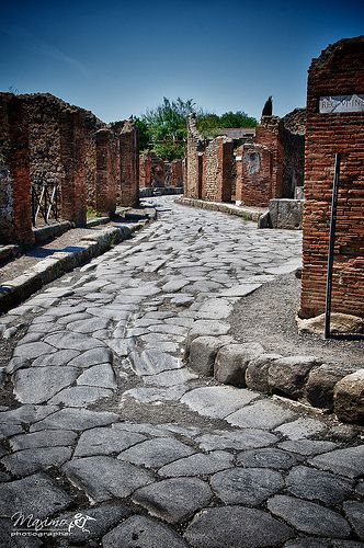 Pompei - le strade. Streets all stone. One reason they did this was so water could be used to rinse them and maintain them as clean.