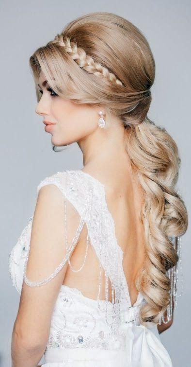 En av de absolut hetaste bröllopsfrisyrtrenderna just nu är flätor. Så här kikar vi på några riktigt snygga frisyrer mer eller mindre baserade på just sådana! Vilken är din favorit?