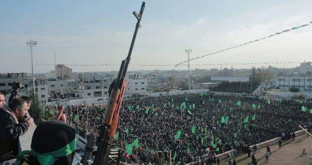 Berita Islam ! KORAN RIYADH ARAB SAUDI TUDING HAMAS TERORIS TAPI DIAM DENGAN AKSI TERORIS ISRAEL... Bantu Share ! http://ift.tt/2v8NqoO KORAN RIYADH ARAB SAUDI TUDING HAMAS TERORIS TAPI DIAM DENGAN AKSI TERORIS ISRAEL  Gerakan perlawanan Islam Hamas mengecam pemberitaan koran Riyad yang menyebut Hamas sebagai gerakan teroris. Ia menegaskan penyebutan tersebut sangat berbahaya sama dengan melecehkan perlawanan bangsa Palestina. Dalam keteranganya Sabtu (5/8) yang dilansir pusat informasi…