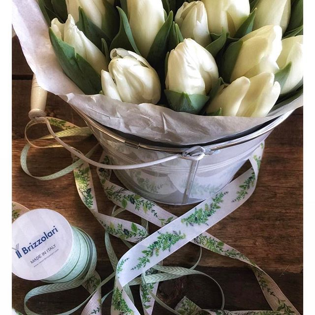 Green&Glam #nastri #fiori #creatività #brizzolari