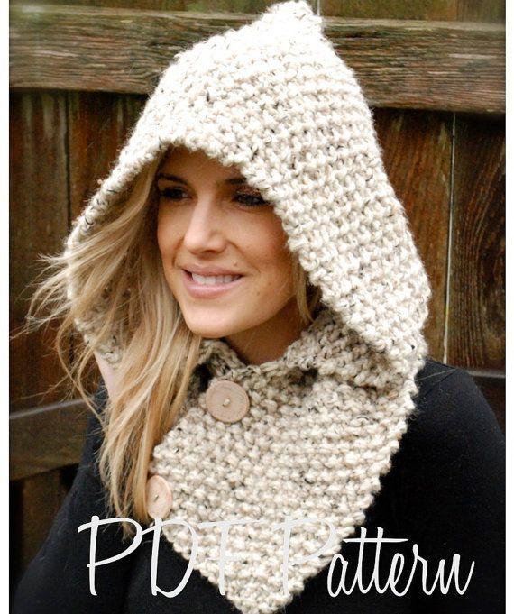 Écharpe-capuchon tricotée. Tutoriel pour un modèle similaire : http://lespelotesdhelene.over-blog.com/pages/Tuto_capuche_echarpe-6033392.html
