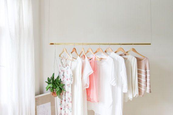 Rack de vêtements suspendus par Kekoni sur Etsy