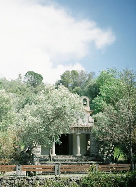Beautiful Chapel in Caldas de Monchique, Portugal. Photo by André Twixeira, Brancoprata