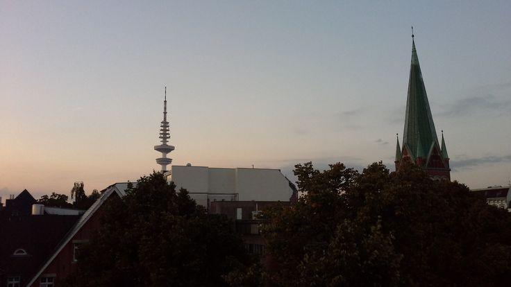 L'Alba ad Amburgo. Dawn in Hamburg.
