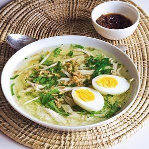 Recept - Soto ajam (Indonesische kippensoep) van Dora van Taanom - Allerhande