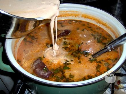 Ciorba de fasole cu ciolan (ardeleneasca)