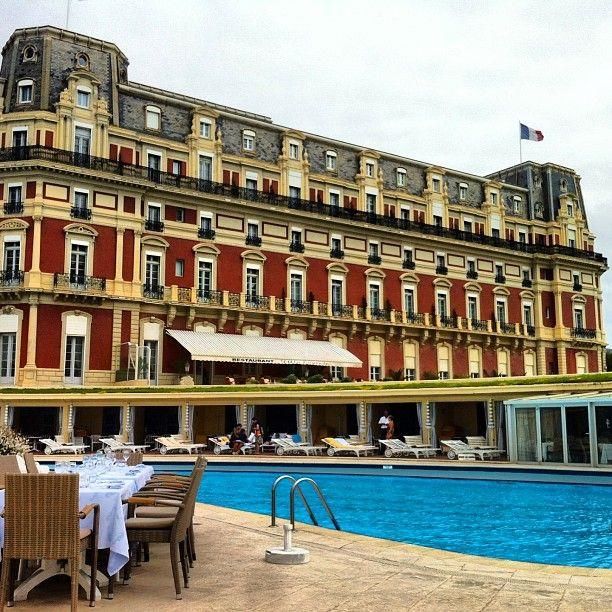Hôtel du Palais 나폴레옹3세의 황후가 머무르던 궁을 개조한 호텔. 프랑스 3대 휴양지인 비아리츠에 있다. 꼭 가보고 싶은 곳.