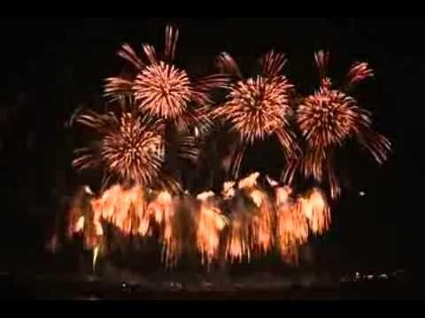 Fireworks, Beauty Fireworks, live Beauty Fireworks in indonesia yang luar biasa indah yang dapat kita saksikan dengan sangat dekat. ini adalah sebuah pesta k...