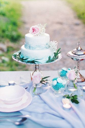 Love story. Wedding day. Stylist. Styling. Photo session. Photoshoot. Love story photos. Wedding decor. Tiffany blue. Romantic decor. Wedding decor. Wedding decoration.