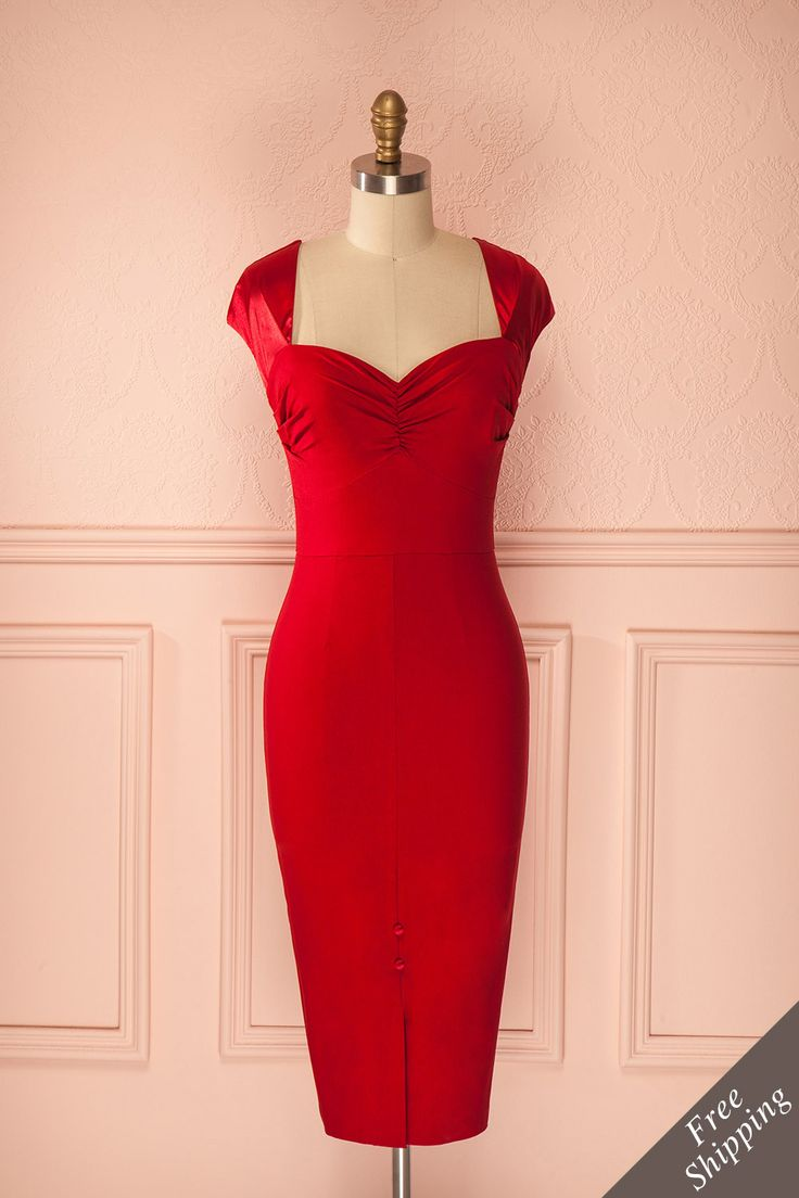 Santana ♥ Dans cette robe d'un rouge riche, la voilà devenir une parfaite métaphore de l'amour qui transforme tout sur son passage.  In this rich red dress, she is becoming a perfect metaphor for the love that transforms everything on its path.    Livraison gratuite à travers le Canada ! Free shipping across Canada !