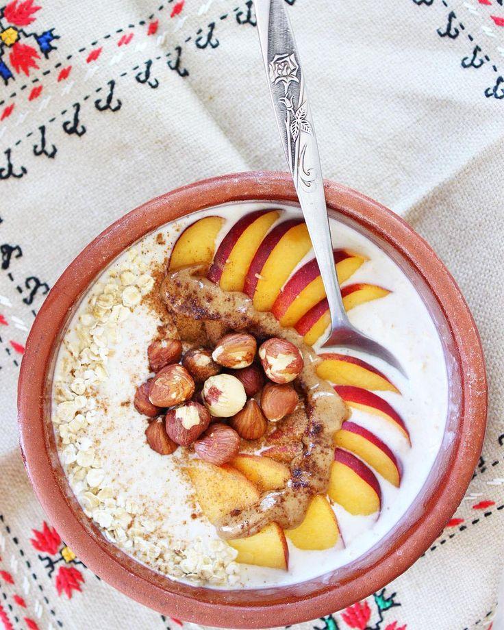 Βρώμη από βραδύς μουλιασμένη σε γάλα καρύδας ή αμυγδάλου! Βάζετε σε γάλα της αρεσκείας σας βρώμη και το αφήνετε στο ψυγείο σε κλειστό δοχείο. Γαρνίρετε με ξηρούς καρπούς, φρέσκα και αποξηραμένα φρούτα, κανέλα, ταχίνι, φουντουκοβούτυρο, ό,τι επιθυμείτε!