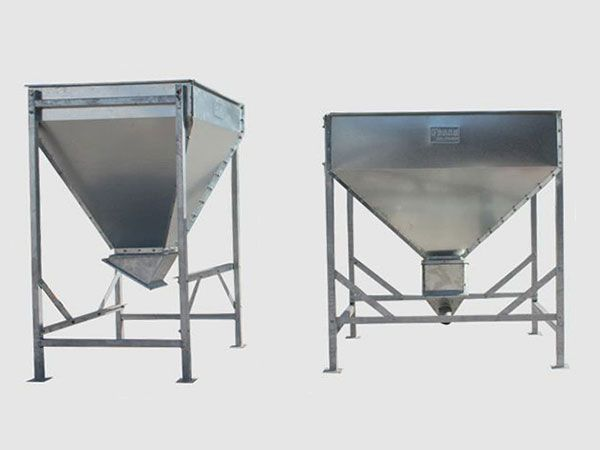 100 Kg to 1 5 Ton Capacity Feed Hopper for Poultry Farming