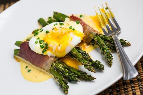 Prosciutto Wrapped Asparagus with Poached Egg and Hollandaise Sauce: Hollandai Sauces, Hollandaise Sauces Recipes, Hollandaise Sauce Recipes, Eggs Recipes, Prosciutto Wrapped Asparagus, Favorite Recipes, Poached Eggs, Prosciutto Wraps Asparagus, Closet Cooking