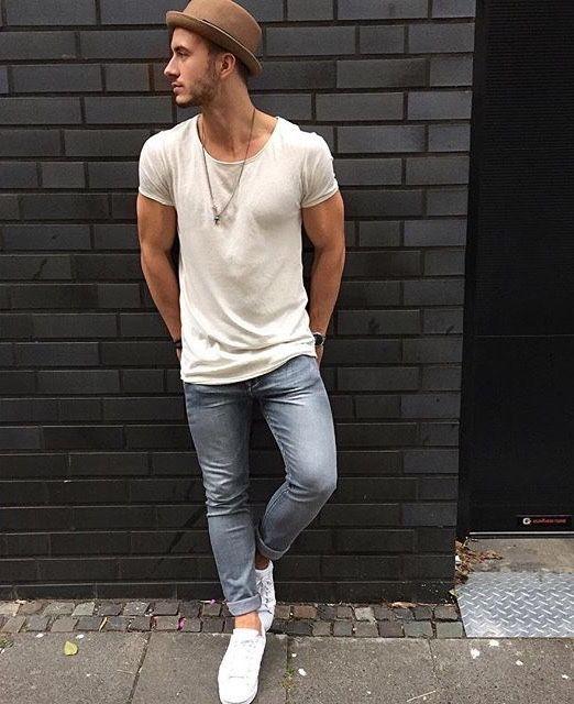 Para el primavera La camisa blanca, los jeans gris, los zapatos blanca, el sombrero café $130/ 115.23 euros Clavado por: David Thompson