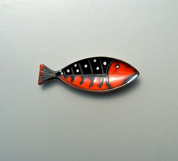 Fish dish. Small vintage pin dish. Tiny studio pottery ornamental tray in modernist fish design. Sgraffito and slip glaze red fish. Italian. by AnEyeOnStyle on Etsy