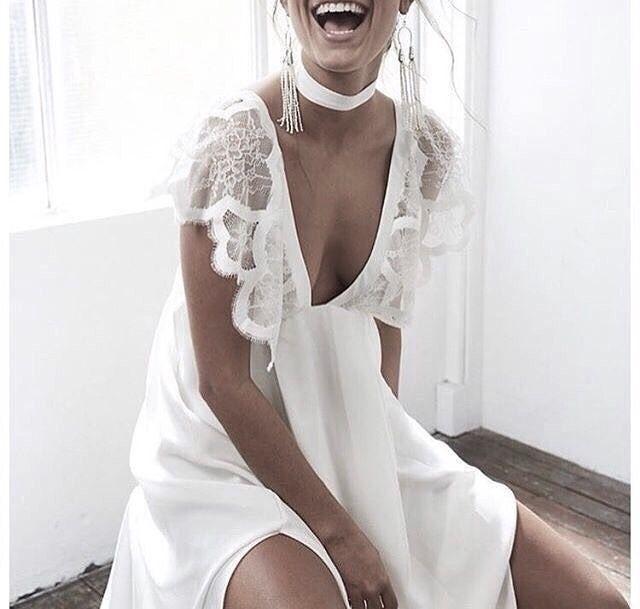 "31 Me gusta, 1 comentarios - ioLA (@iola_pujol) en Instagram: ""☆VIA @modwedding ☆ioLA☆#dress #vestido #robe #style #inspo #instagram #blanc #blanco #white…"""