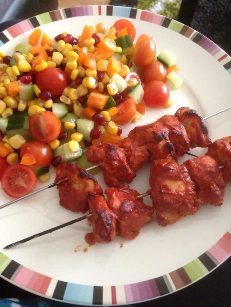 Slimming world sun free tandoori chicken.   For 4 people:  1kg of chicken breast/lamb leg steaks 200g fat free natural yoghurt 6tbsp tomato purée 4tbsp tandoori curry powder 1tsp chilli powder 2tsp sea salt 3tbsp lemon juice   Mix in a bowl and marinate for at least 4-5 hours   Thread onto skewers and cook at 200 on a baking tray with baking paper for 12-15 minutes