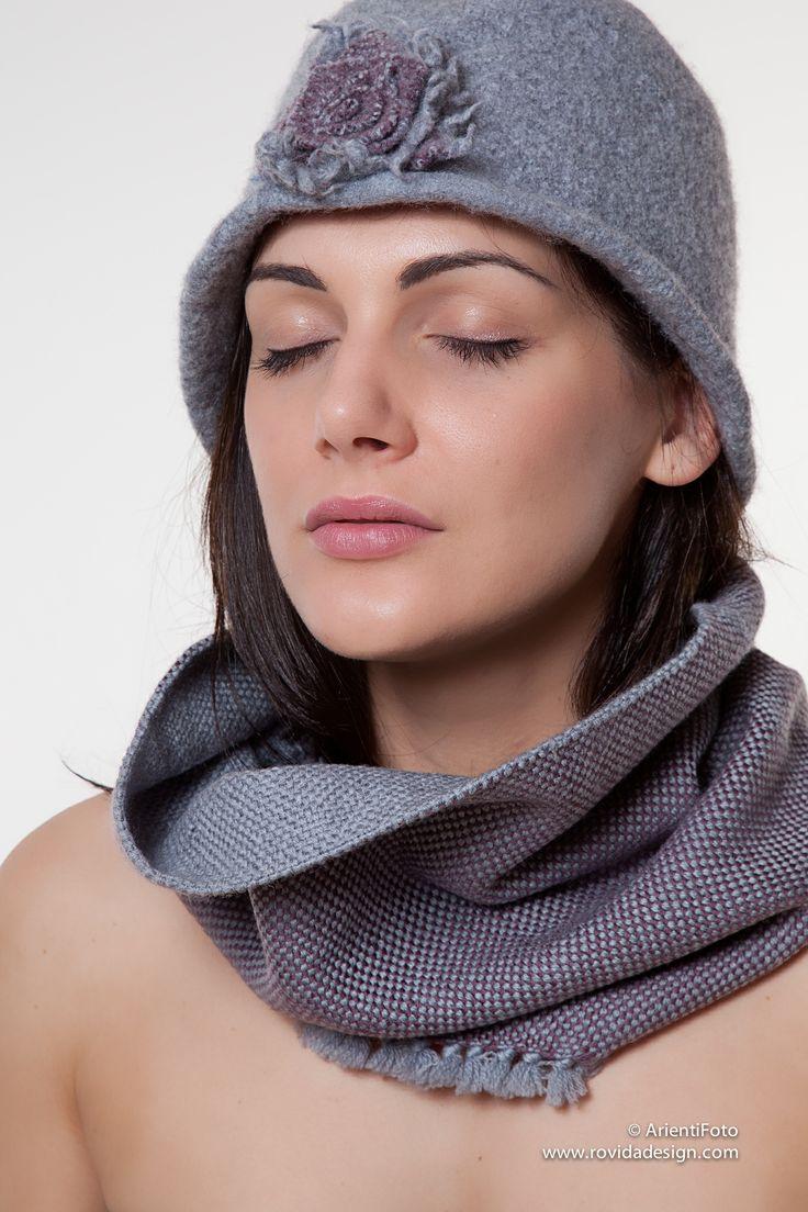 Modello Malva. 100% lana merino. Tessuto a mano con amore da Rovida Design. #madeintuscany #sciarpa #minimal #wool