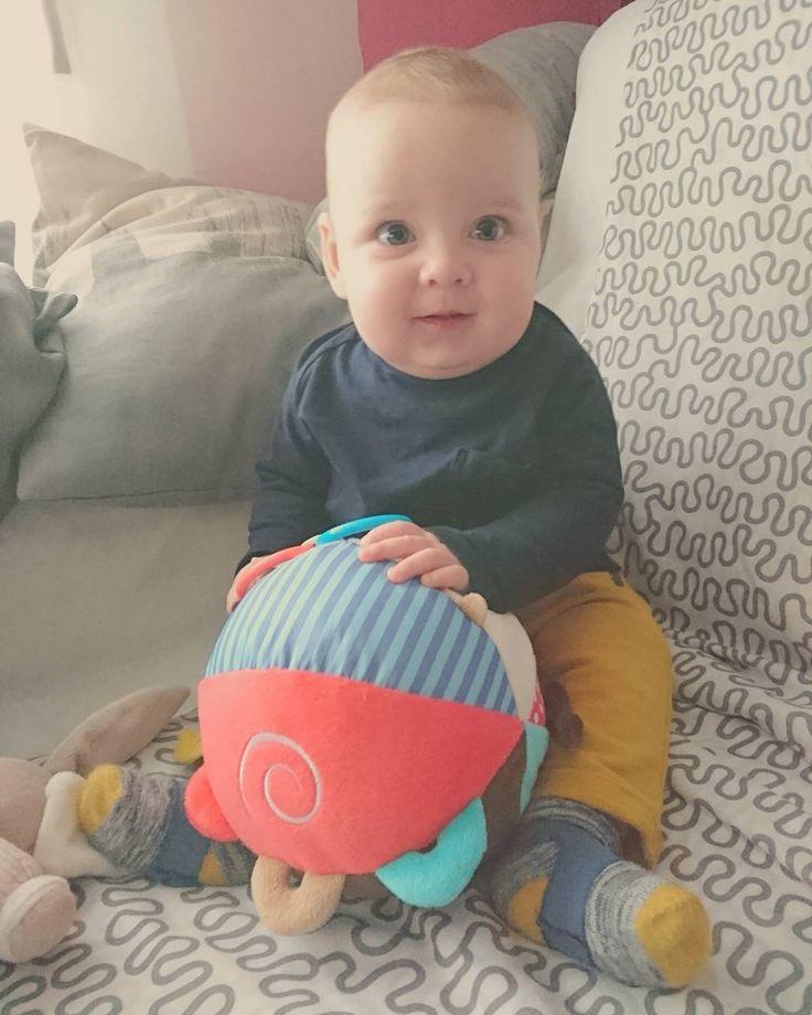 Esta semana cumples ya 6 meses!!! Medio año de vida con nosotros.... Que pare el tiempo por favor cada dia me sorprendes más... Quiero que se forme un bucle en el tiempo para poder revivir estos primeros 6 meses de vida.... Mucho pido yo!!!! #bebe #baby #hermoso #lindo #cute #instababy #babyboy #feliz #love #amor #instalove #maternidade #instamoment #kids #niño #instabebe #boy #adorable #beautiful #sweet #little #son #babies #mylove #lovely #iloveyou #赤ちゃん #socute #mybaby #kid