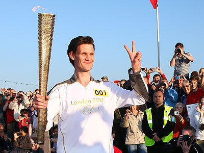 Matt Smith carrying the Olympic torch for the 2012 gamesLondon 2012, Cardiff Bays, 2012 Olympics, Olympics Games, Olympics Torches, Doctors Who, Smith Carrie, Matte Smith, Olympics 2012