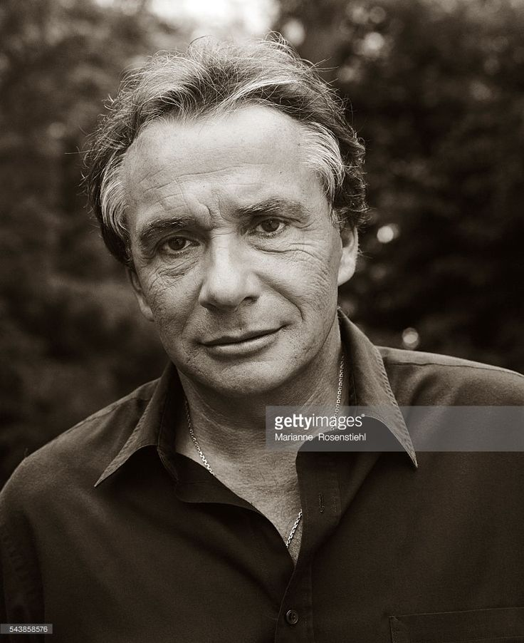 Photo d'actualité : French singer, songwriter and actor Michel Sardou.