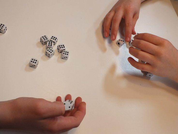 A Tenzi egy kockajáték, mely a kisiskolás korosztály kedvence :)