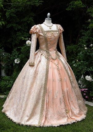 Peach and pink Elizabethan dress.: Princesses Gowns, Gowns Custom, Fantasy Ball Gowns, Elizabethan Princesses, Fantasy Gowns, Elizabethan Gowns, Delux Fantasy, Elizabethan Dresses, Princesses Cinderella