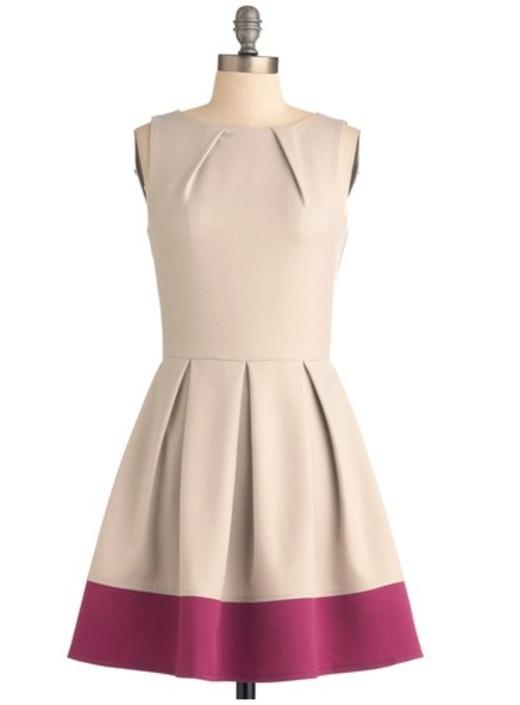 Vestido de pregas e 2 cores