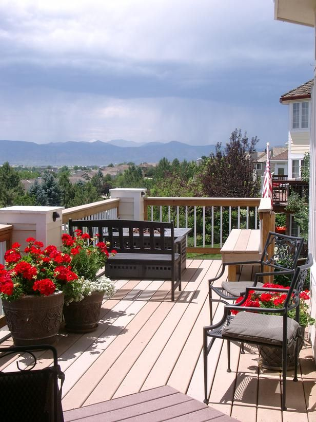 Traditional and Comfortable Decks for Everyday Use With a simplistic look and a comfortable feel, these traditional decks are perfect for relaxing, entertaining or gathering friends and family anytime of the year.