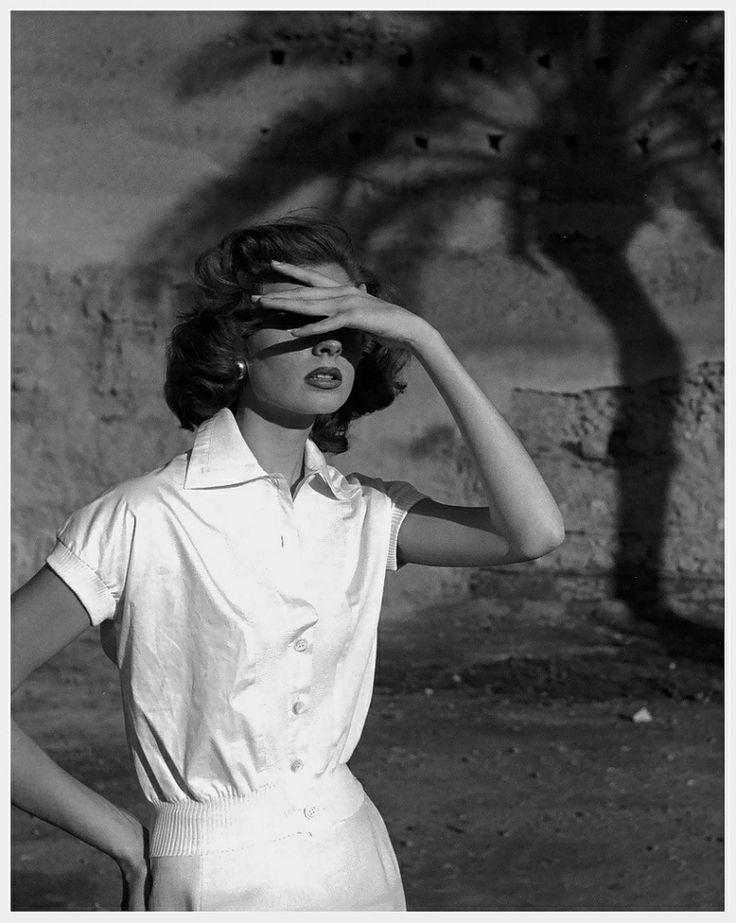 Elle, April 1954