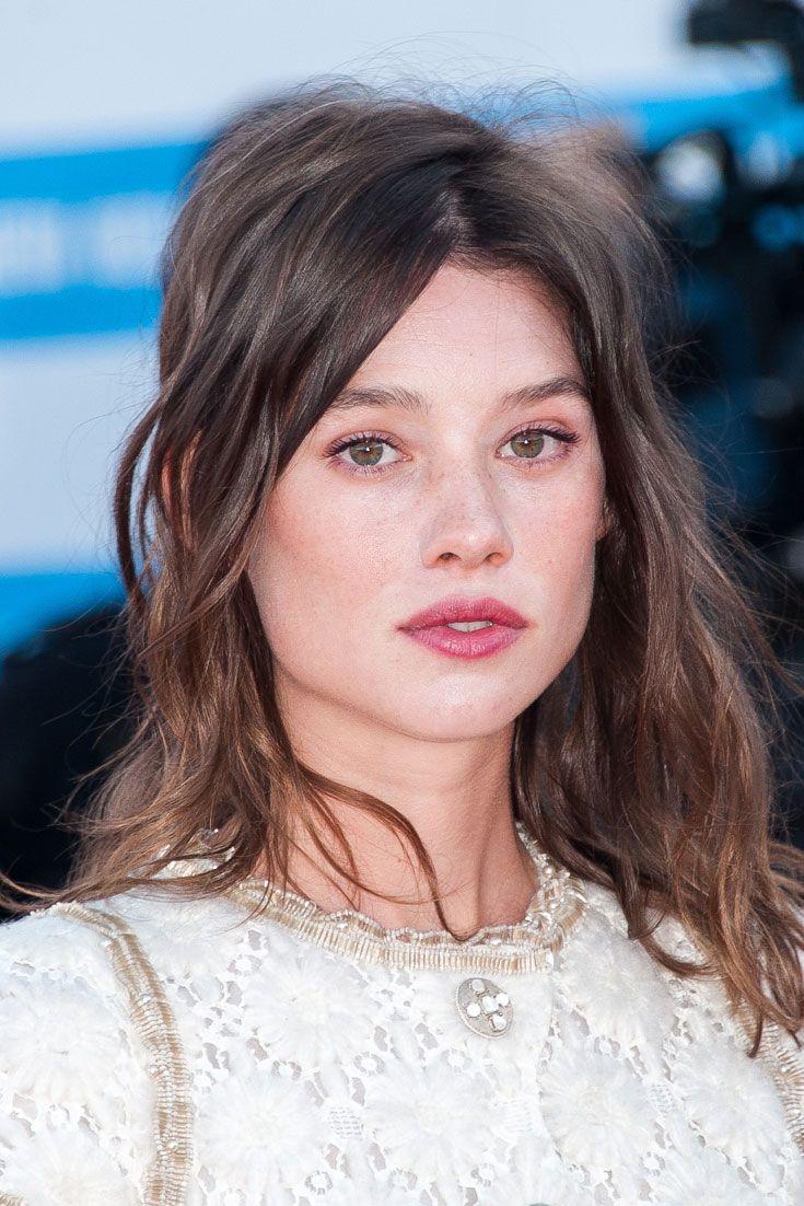 Haben Sie schon einmal eine Französin mit einem Haar-Accessoire in der Öffentlichkeit gesehen? Wir auch nicht. Niemals. Nie.