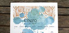 El diseño del calendario 2017 es de estilo boho chic, inspirado en los mandalas hindúes y con fondos de acuarelas. Gratis e imprimible.
