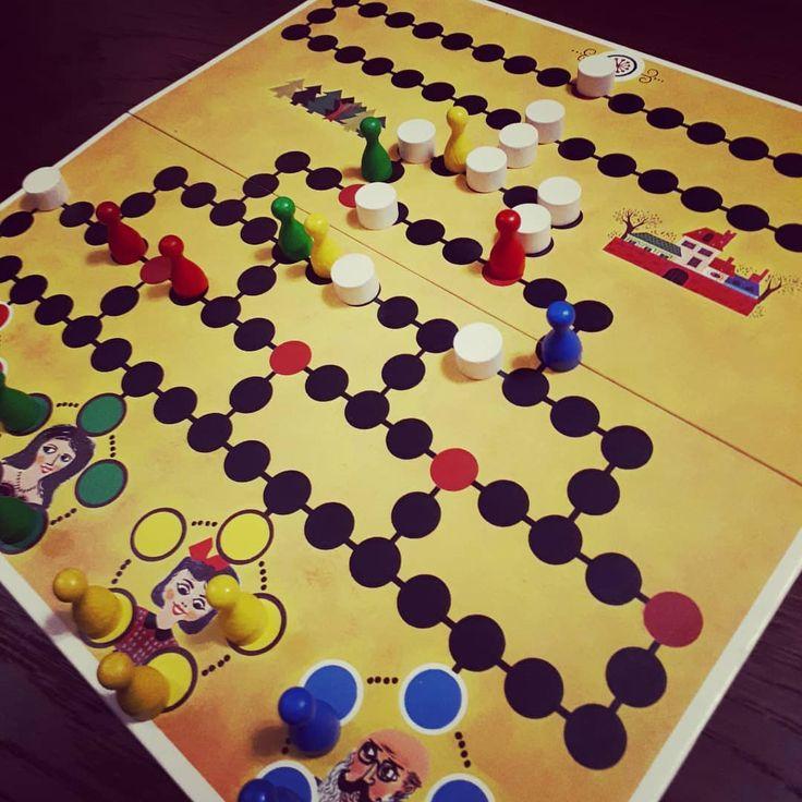 Szombat reggelre egy parti Barikád ;) A piros nyert, pedig nagyon próbáltuk akadályozni...