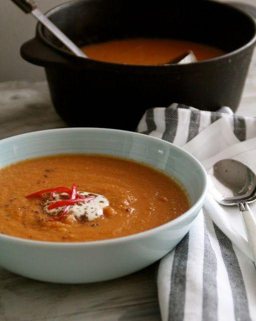 Indisk inspirert blomkålsuppe - Mat på bordet