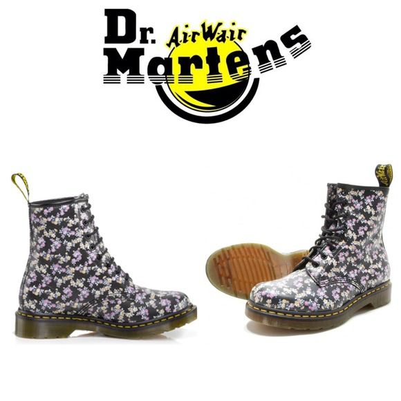 Doc Martens Little Flowers An adorable pair of Dr. Martens featuring a pattern adorned with dozens of small flowers across the boot. The design gives these edgy shoes a feminine touch, perfect for dressing up or dressing down. New, never been worn, and in perfect condition. Fits a US 10-11. 👍😚 Dr. Martens Shoes