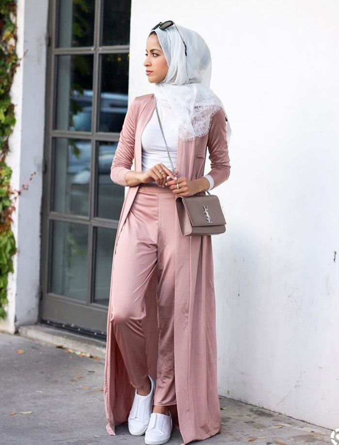 Hijab Fashion | Nuriyah O. Martinez | Kinda dig this, though not sure why. Top has to be looser IMHO though. | Simplyjaserah
