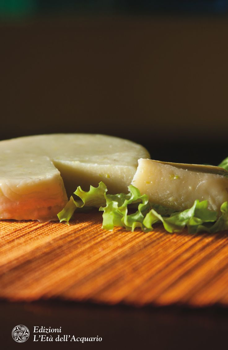 Formaggio di patate #senzalatte #senzalattosio. Dal grande libro delle ricette senza lattosio e proteine del latte di Marica Moda, ed. L'Età dell'Acquario