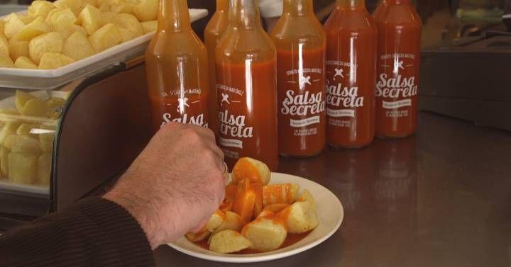 Un periodista inglés dijo que las patatas bravas  no son más que chips con ketchup . Nuestra ruta por los mejores ejemplares de Madrid y otras ciudades demuestra que estaba equivocado.