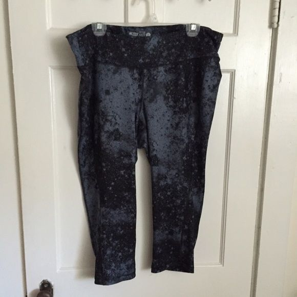 Old Nacy Activewear Pants Active pants that hit about mid-calf. Super stretchy and comfy to move in. Worn once. Dark blue (almost black) in color with grey-light-blue splatters. Has small key pocket on waist band. Old Navy Pants Track Pants & Joggers