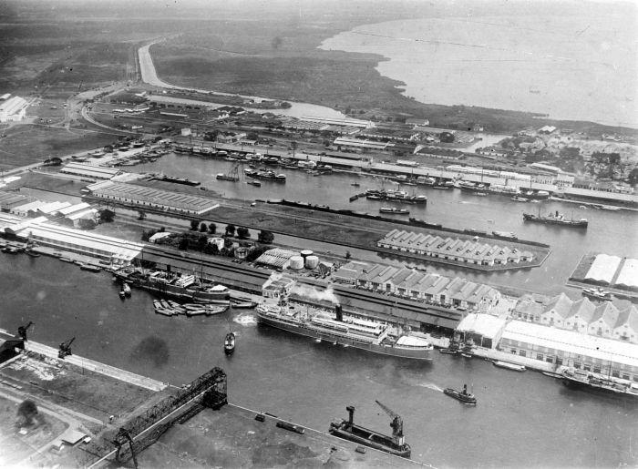 Tanjungpriok Harbour - Jakarta, 1926