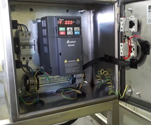 Vfd With Built In Plc Electrical Panel Building Electrical Engineering