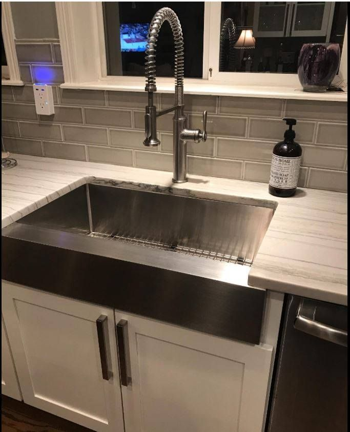 A Beautiful Install Of Our Short Apron Farmhouse Sink With A Flat Front Can Be Install In New Cabinetry Or Exi With Images Stainless Steel Farmhouse Sink Apron Sink Sink