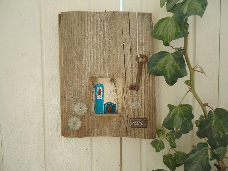 Sono felice di condividere l'ultimo arrivato nel mio negozio #etsy: Quadro rustico - Quadro in legno riciclato - Decorazione da appendere - Regalo Casa Nuova - Regalo Pasqua - Festa della mamma - Turchese http://etsy.me/2FdlUNB
