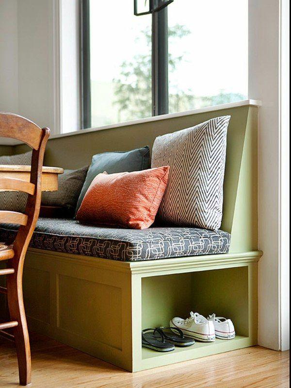 Benchseat at door entry with shoe cubby. Make seat wider and use for guest sleeping.   fensterbank ideen lagerraum dekokissen holzmöbel